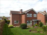 4 bed Detached property in Harlaxton Road, Grantham