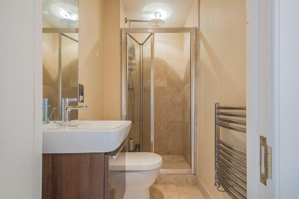 Luxury Shower Room: