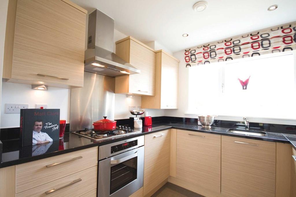 Bedroom Terraced House For Sale In Bob Dunn Way Dartford DA1 DA1