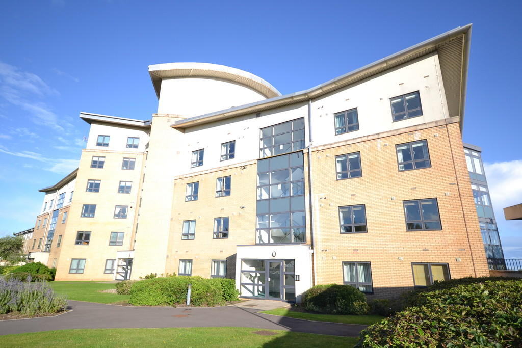 2 Bedroom Apartment For Sale In Lacuna Windsor Esplanade Cardiff Bay Cardiff Cf10 5bg Cf10