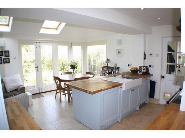 3 bedroom semi-detached house for sale in Rose Cottages