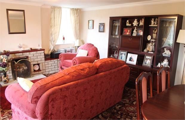 Lounge- Dining Room