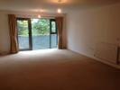 Flat to rent in Hawthorne Gardens...
