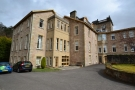 3 bedroom Apartment in Allanwater Apartments