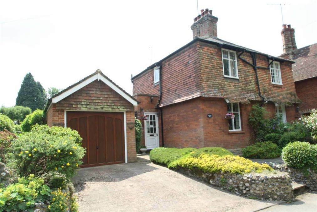 cottages for sale in surrey 3 bedroom cottage for sale in farnham surrey gu10