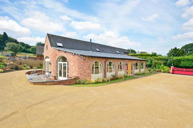 Horseshoe Barn fpz17