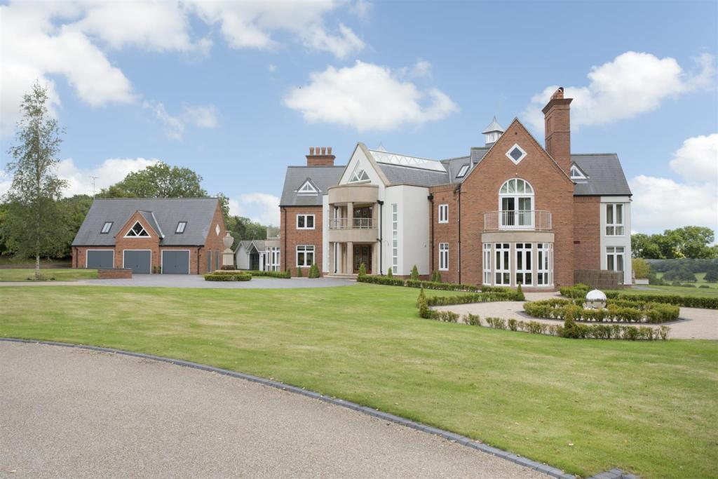 7 bedroom detached house for sale in ullenhall henley in for 7 bedroom house for sale