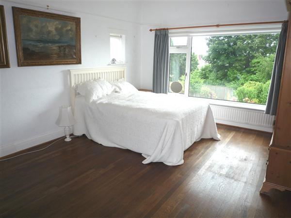 GROUND FLOOR BEDROOM 1