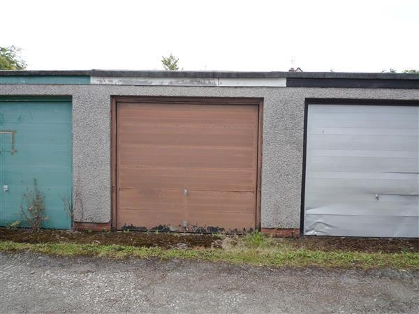 Single Car Garage: