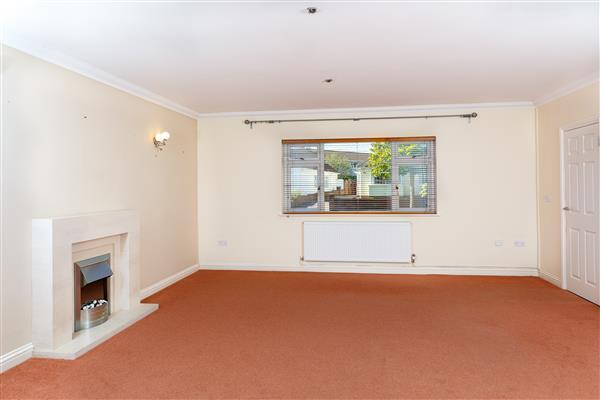LIVING ROOM (Front):