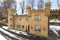 Detached home in WARLEY, Halifax