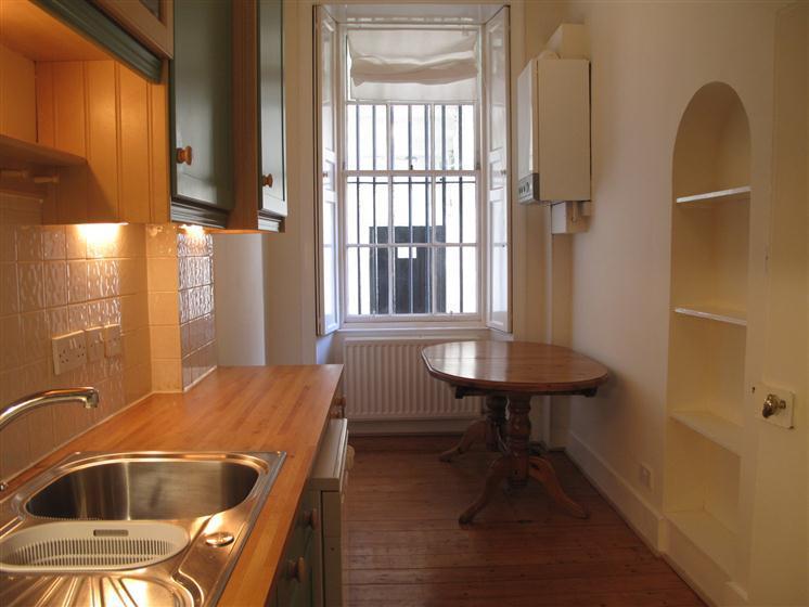 studio flat to rent in heriot row new town edinburgh eh3. Black Bedroom Furniture Sets. Home Design Ideas