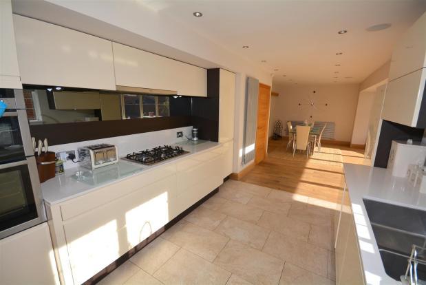 Kitchen / Dining / F