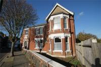 2 bed Ground Flat in Riffel Road...