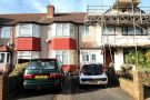 Ground Maisonette to rent in Sedgewick Avenue...
