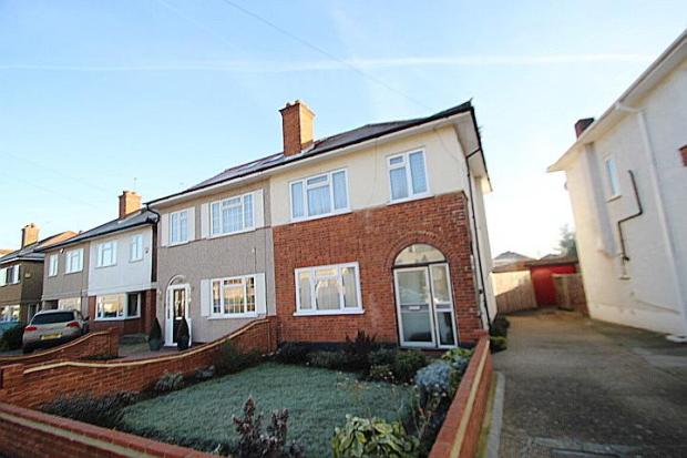 bedroom semi detached house for sale in frogmore avenue hayes ub4