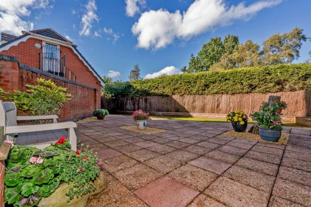Walace Court (29 of