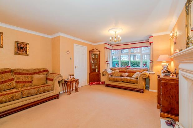 3 Francis Court WS12