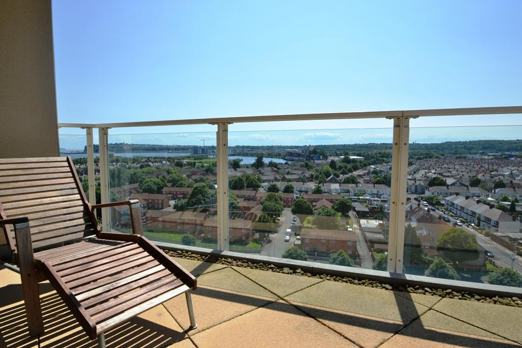 2 Bedroom Flat To Rent In Marseille House Century Wharf Cardiff Bay Cf10