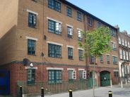 Flat to rent in City Gate, Stepney Green...