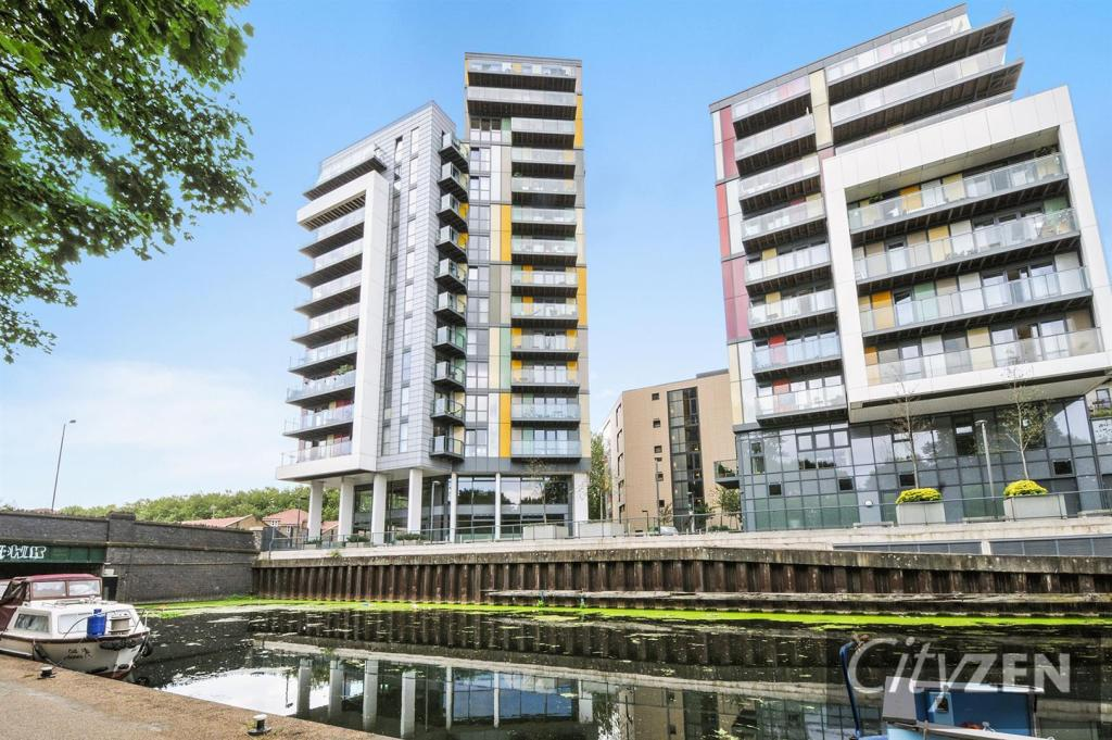 2 bedroom flat for sale in emerald apartments homerton for Apartment matchmaker