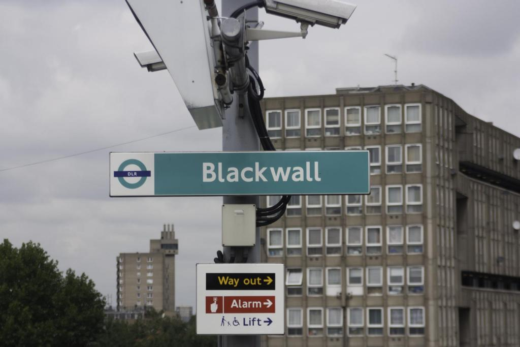 BLACKWALL DLR