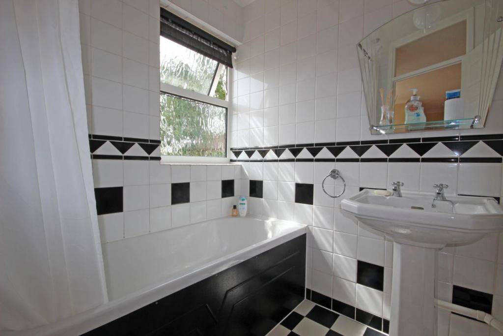 Slave Hill Bathroom.