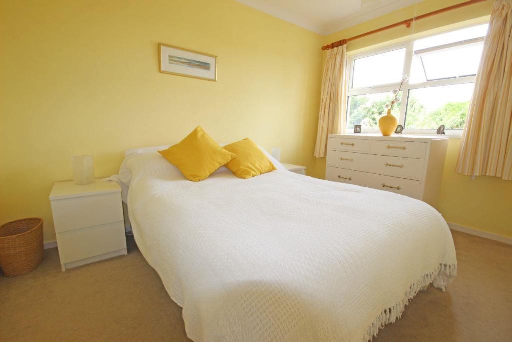 Slave Hill Bedroom.j