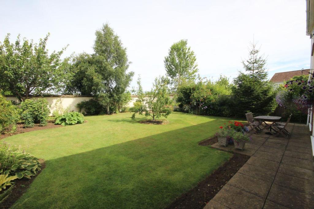 Slave Hill Garden 1.