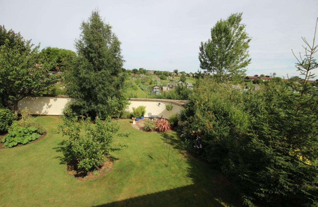 Slave Hill Garden 3.