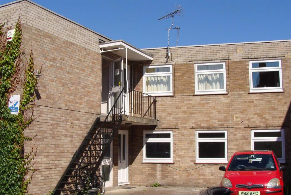 Commercial Property To Rent In Thame