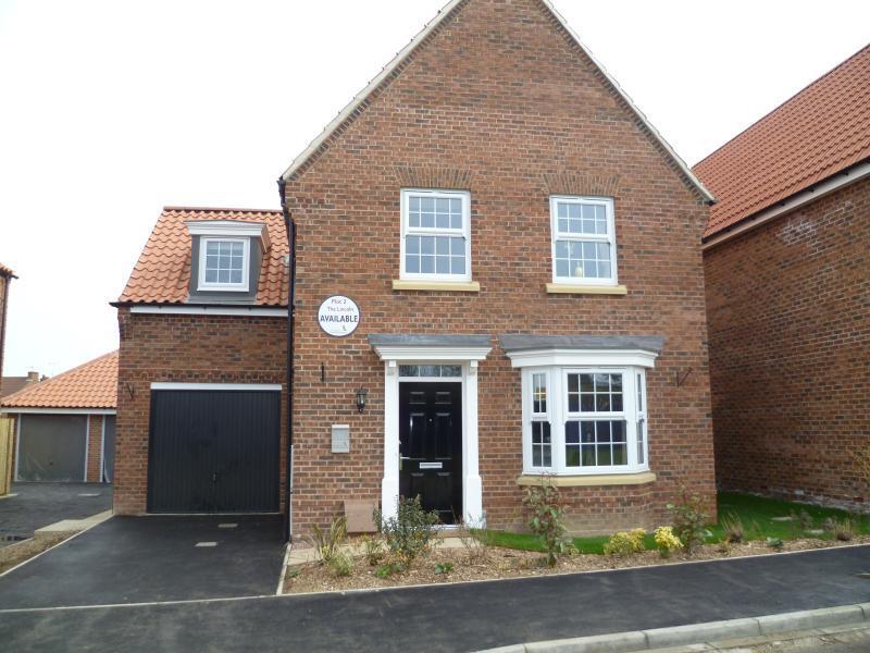 4 bedroom detached house for sale in weighbridge close kirkbymoorside yo62 yo62