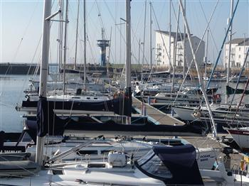 9 Dockers Garden  Outside Front - 1