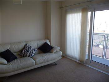 9  Living Room - 1