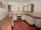 Ground Flat to rent in Amber Street...