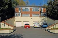 2 bed Flat in Spinney Place...