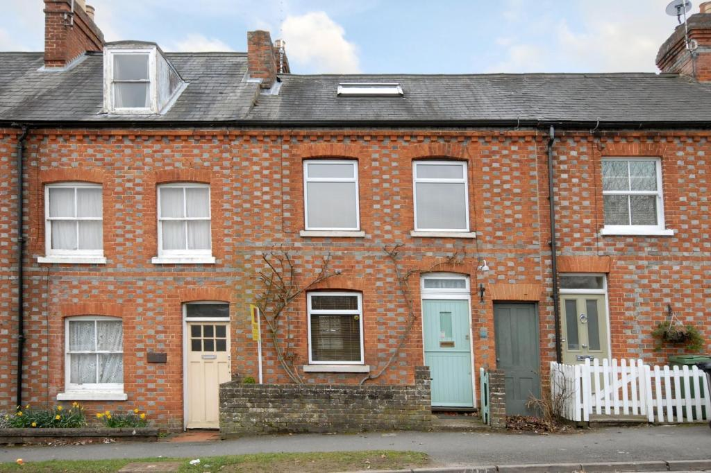 2 Bedroom Terraced House For Sale In Henley On Thames