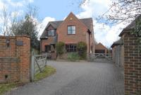 Detached property in Chazey Heath...