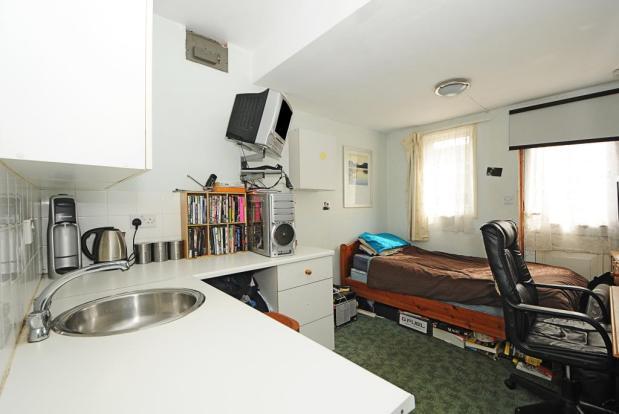 Annex Bedroom 6