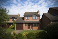 3 bedroom Detached house in Windlesham, Surrey