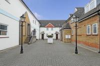 2 bedroom Flat for sale in Quadrangle Mews, Stanmore