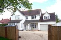 5 bed Detached property for sale in Shipton Road, Woodstock