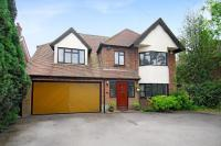 4 bedroom Detached house in Woodside Road, Amersham