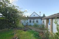 Cottage to rent in Sly Corner, Lee Common