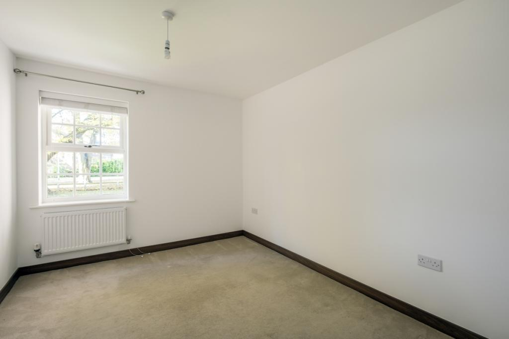 bedroom apartment to rent in norris close london colney al2 al2