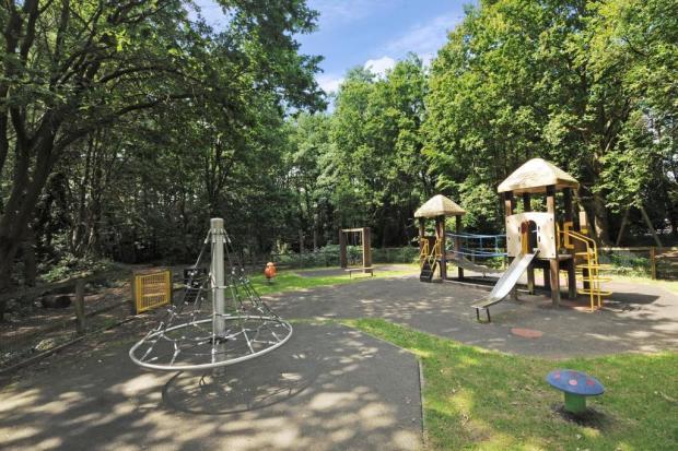 Playground oppose property