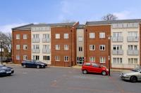 Apartment to rent in Manor Park, Headington