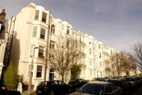 Apartment to rent in Richmond Hill, Surrey
