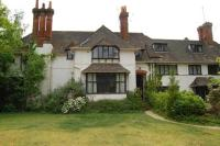 Apartment to rent in Sunningdale, Berkshire
