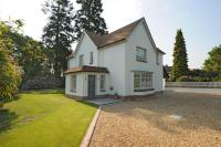 Detached property to rent in Sunningdale, Berkshire